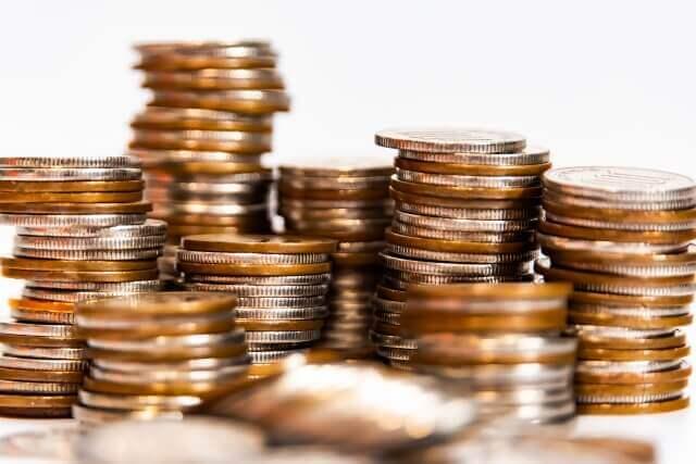 パチスロとオンラインカジノのスロットの出玉を比較